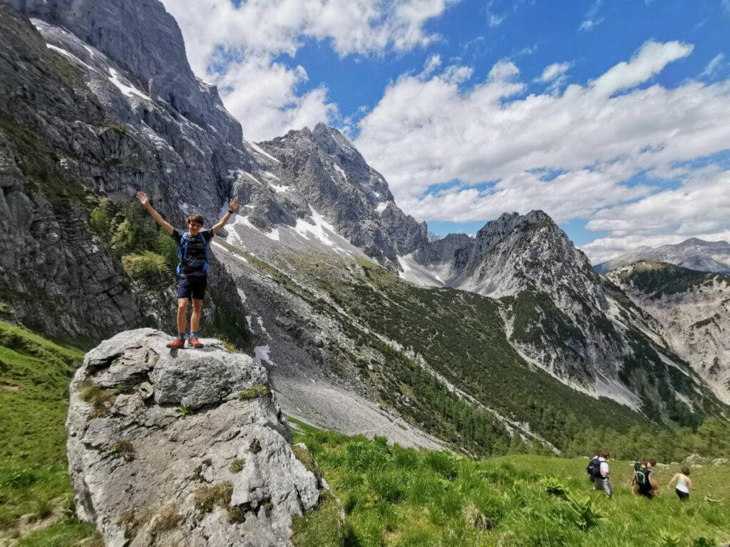 Rontal Tortal wandern - Freude beim höchsten Punkt auf der Torscharte