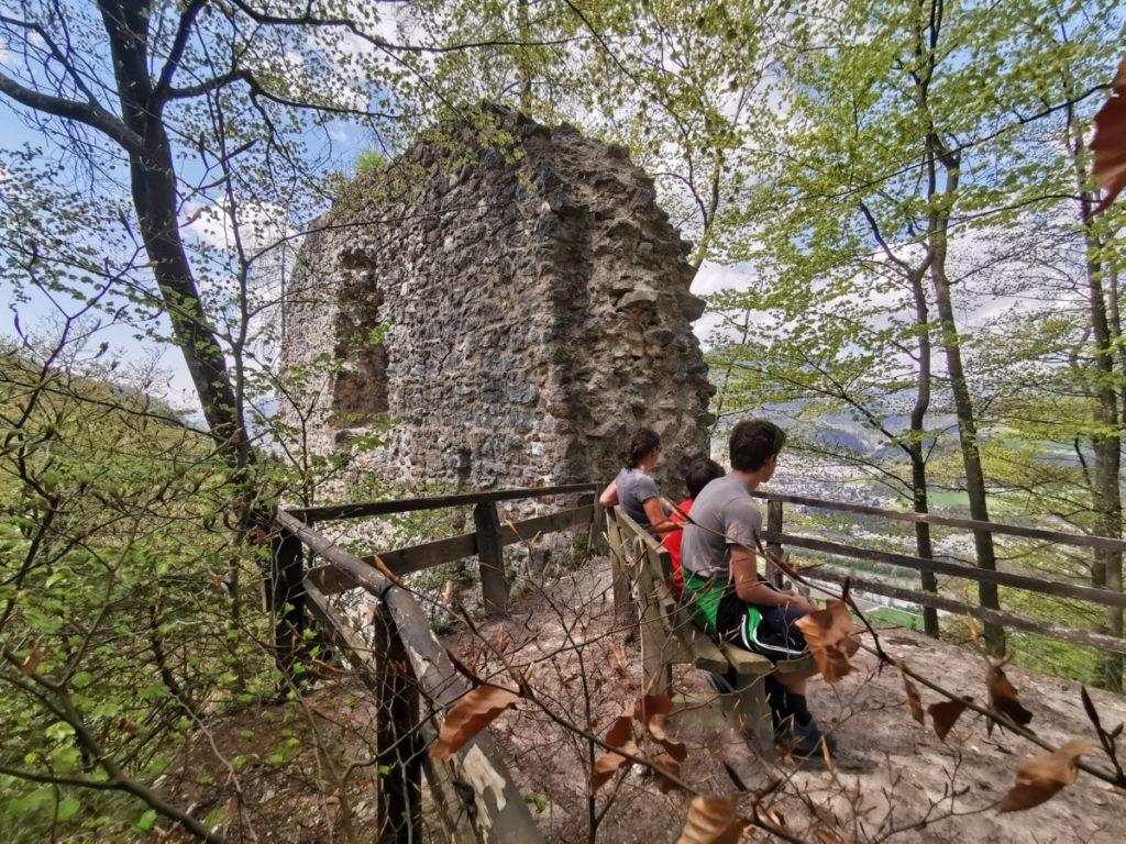 Das ist der Aussichtspunkt ganz oben auf der Rottenburg