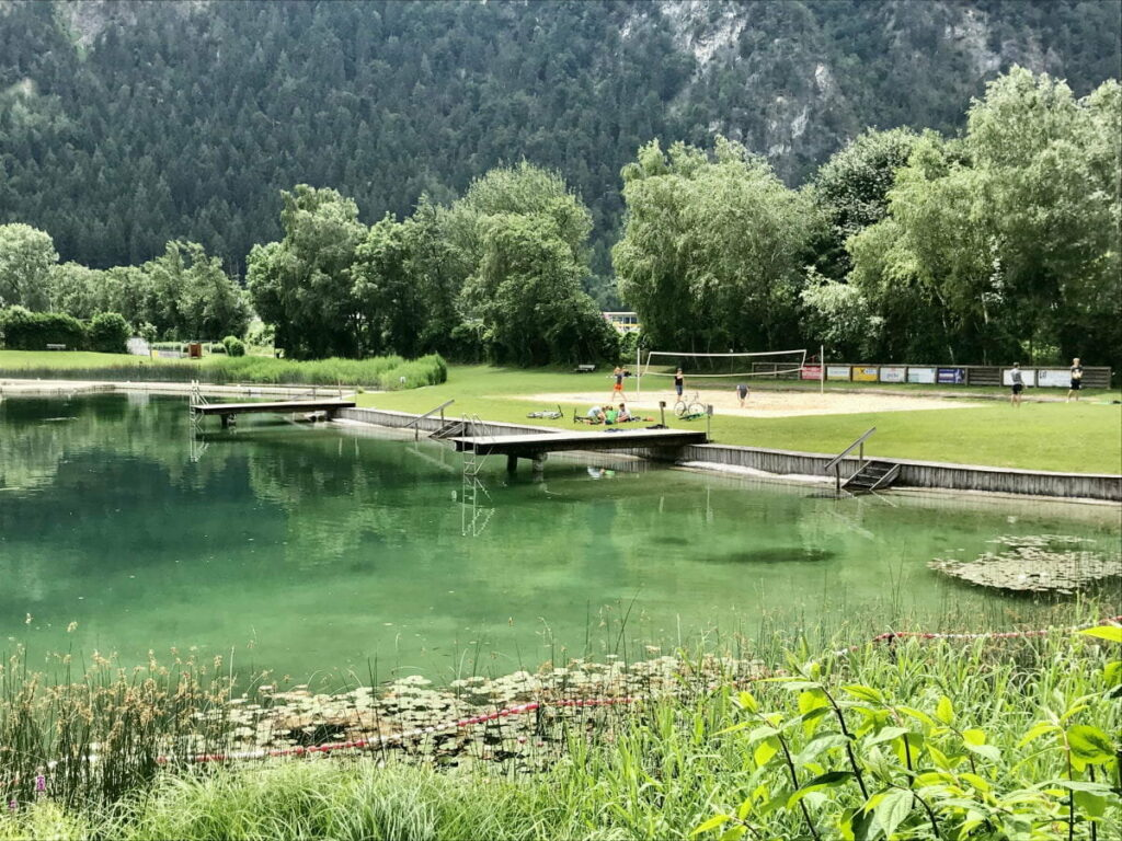 Schlitterer See zum Beginn der Badesaison im Sommer