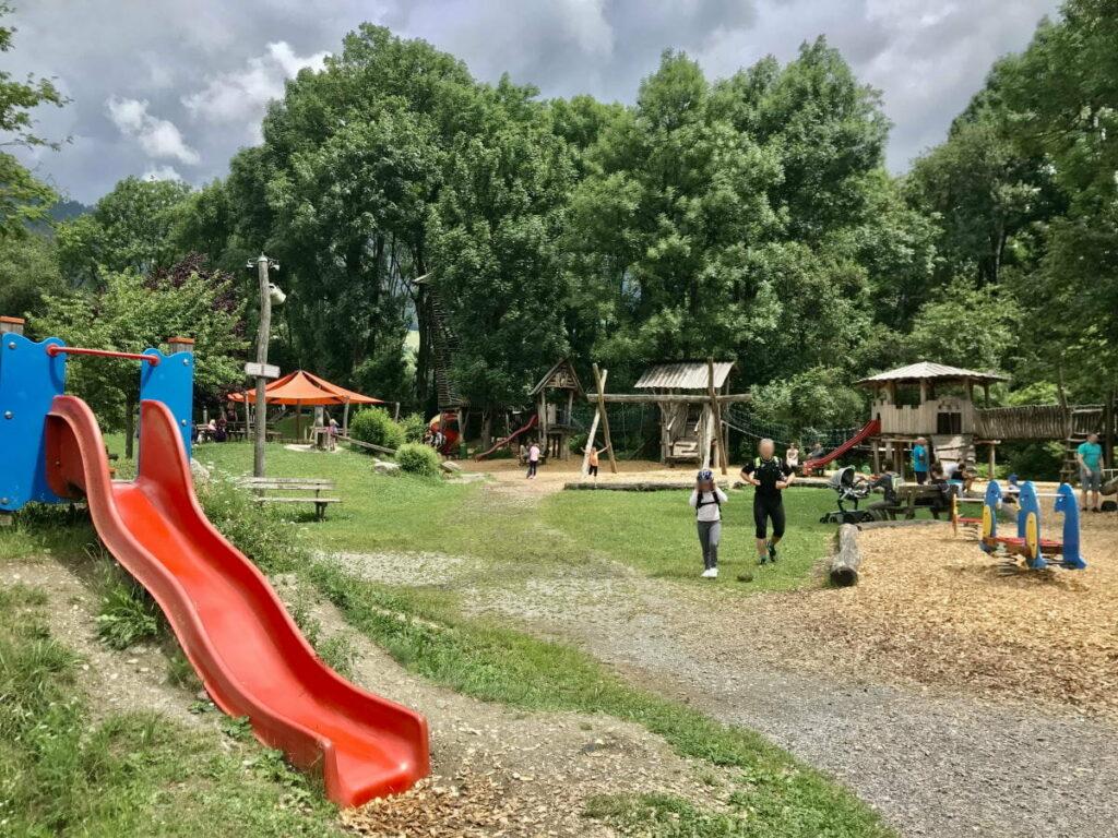 Schlitterer See Spielplatz - ein toller Platz im Zillertal mit Kindern