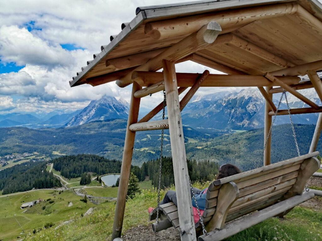 Seefeld Rosshütte - Panoramagenuß auf der Schaukel