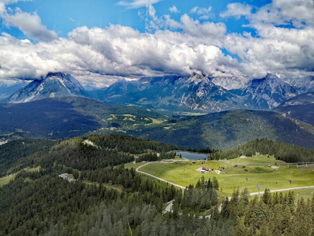 Seefeld Rosshütte Panorama - über den Kaltwassersee ins Wettersteingebirge