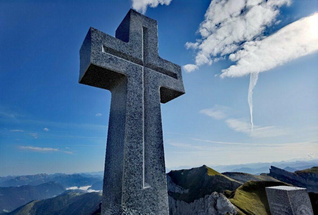 Neues Gipfelkreuz im Rofan: Auf dem zweithöchsten Gipfel, der Seekarlspitze