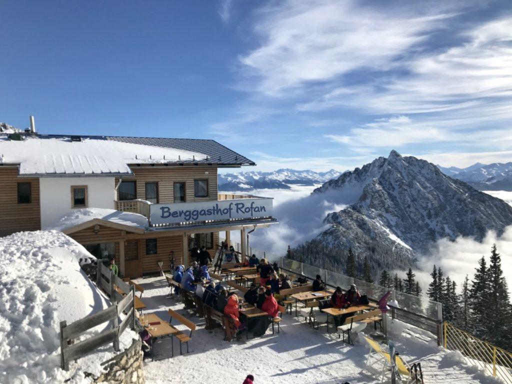 Skigebiet Rofan: Das ist der Ausblick beim Berggasthof Rofan im Skigebiet am Achensee