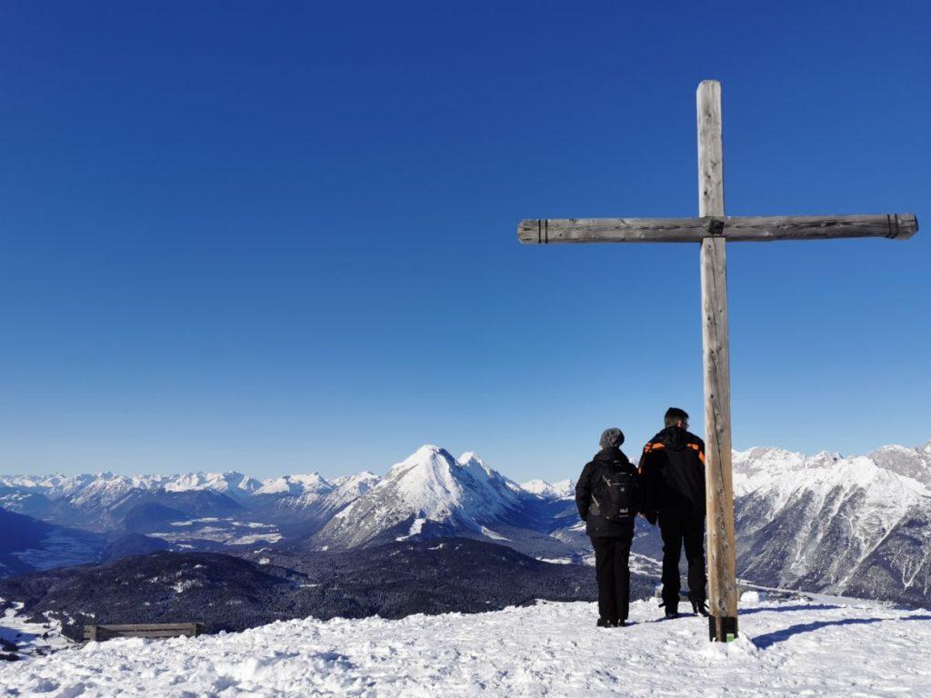 Im Skigebiet Seefeld ohne Ski - am Seefelder Joch die Aussicht genießen