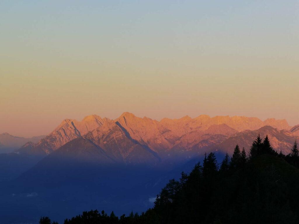 Das Karwendelgebirge beim Sonnenaufgang