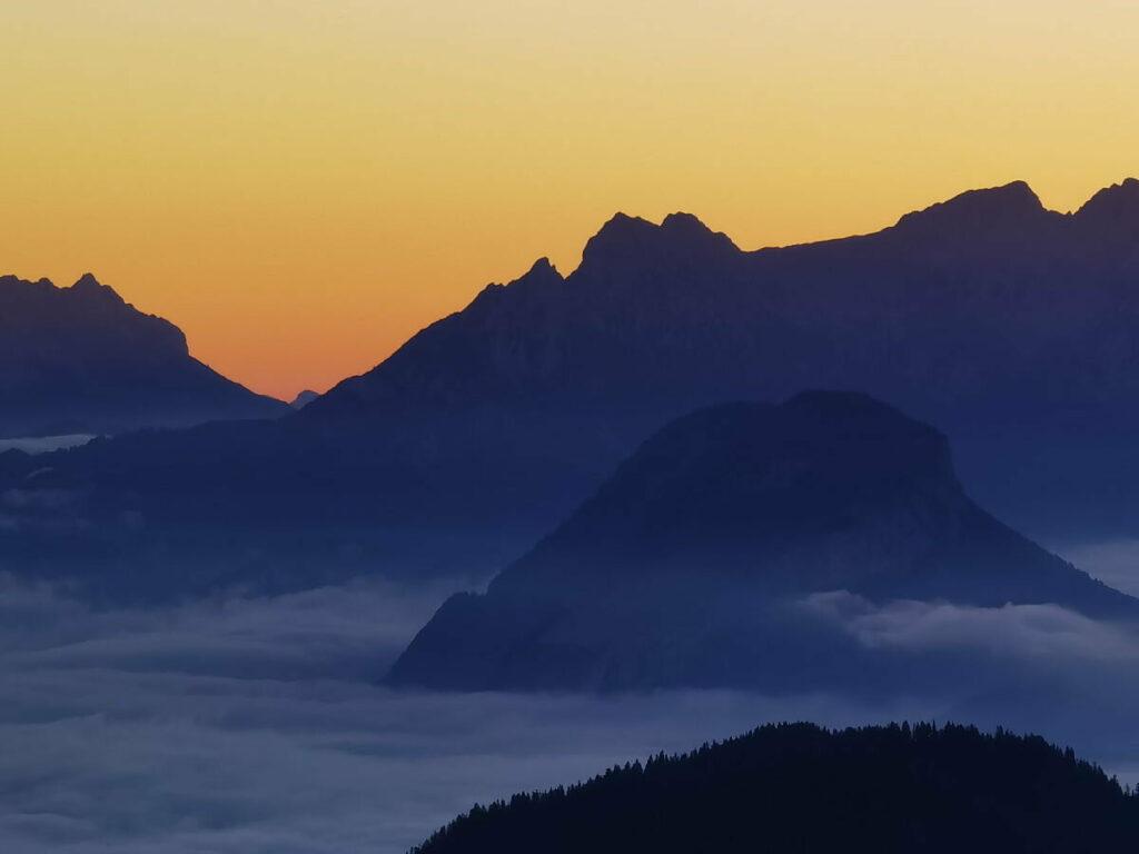 Sonnenaufgangswanderung  vom Luxus Chalet direkt auf die Gratlspitze