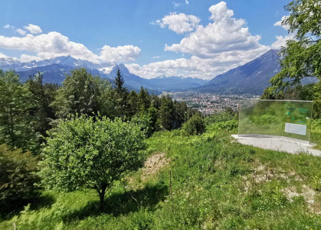 Ausblick von der Tannenhütte auf die Zugspitze und Garmisch Partenkirchen