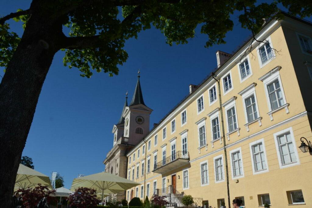 Tegernsee Urlaub - mit den monumentalen Bauwerken wie dem Kloster