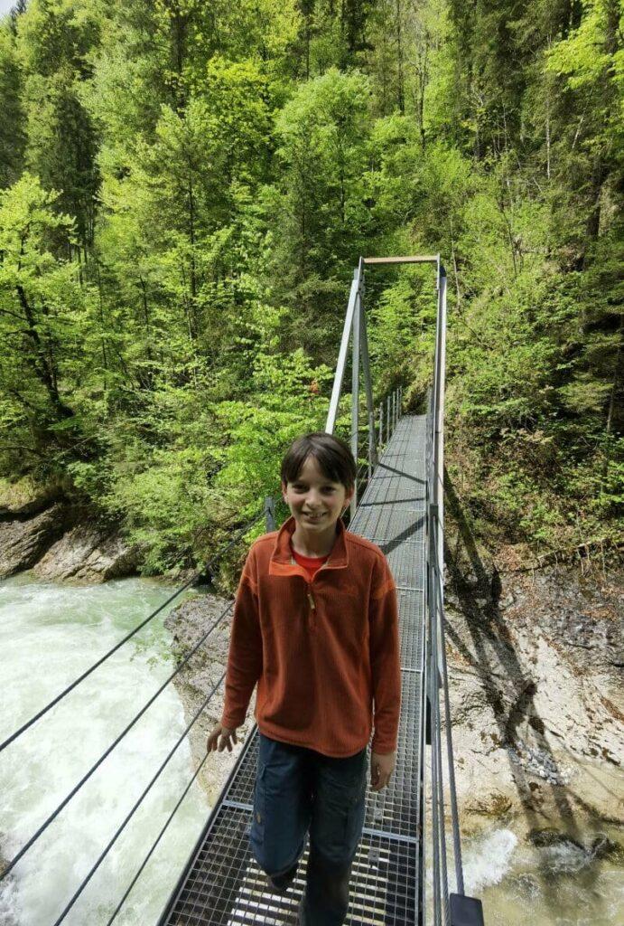 Eindrucksvoll und kurzweilig in der Tiefenbachklamm wandern mit Kindern