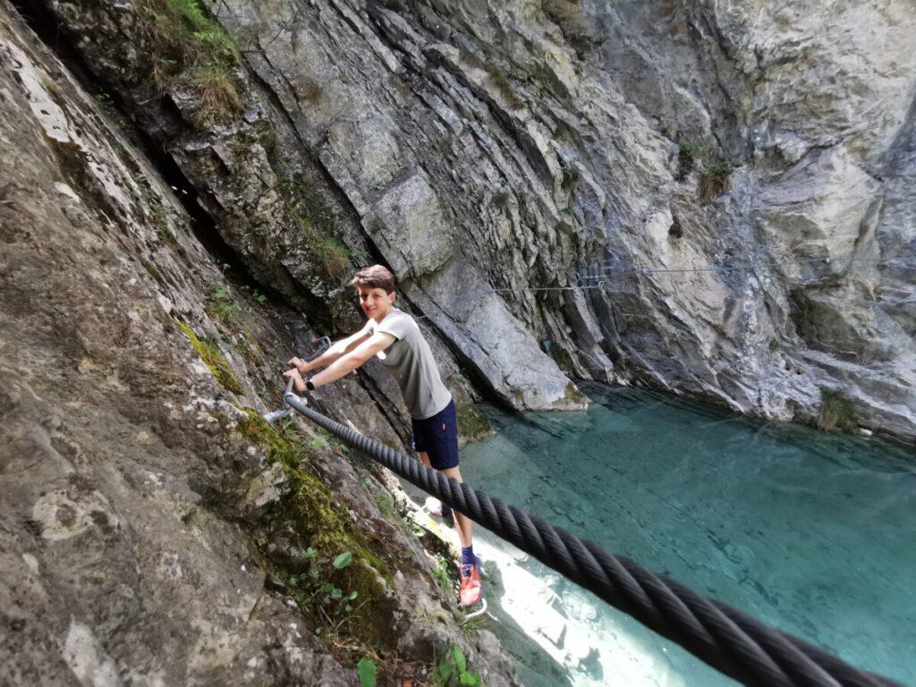 Vomper Loch Klettersteig - immer oberhalb des Wassers entlang