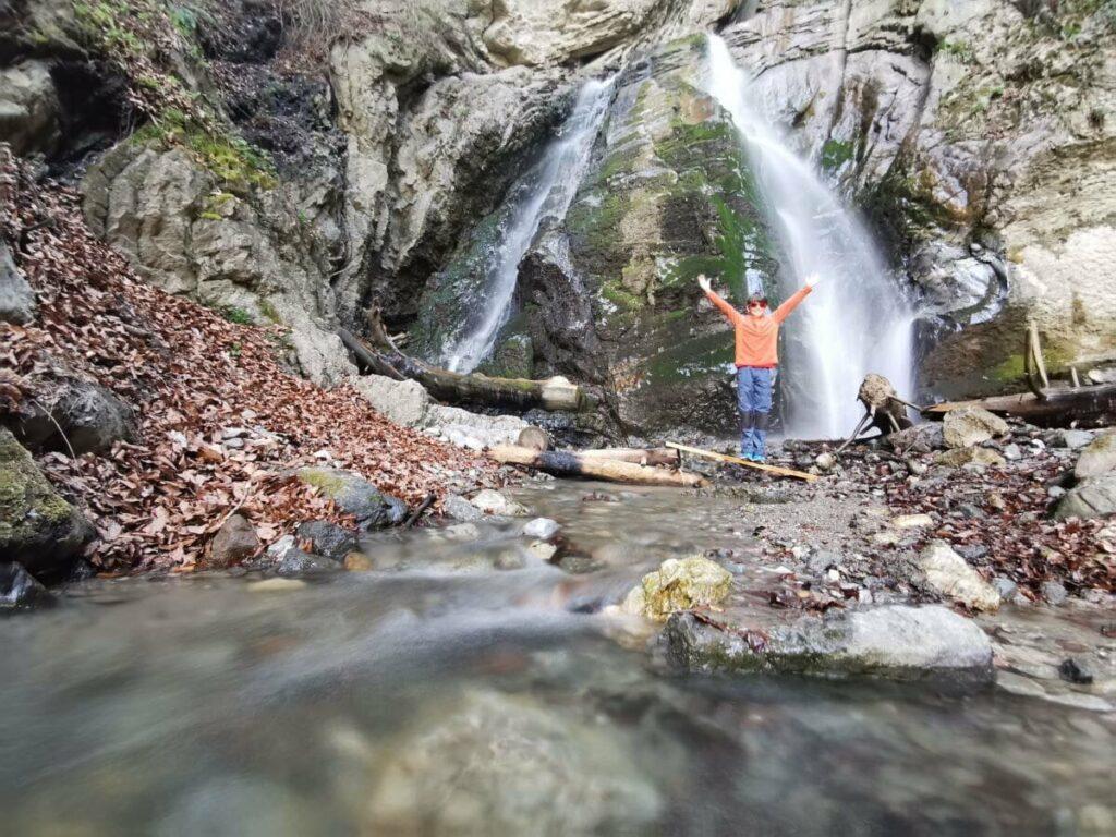 Im Mai kannst du die besten Wasserfall Wanderungen im Karwendel unternehmen!