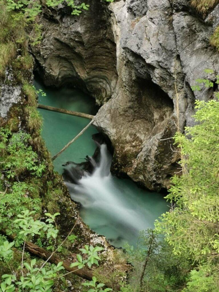 Wasserfall Tirol  - kostenlos in der Leutaschklamm