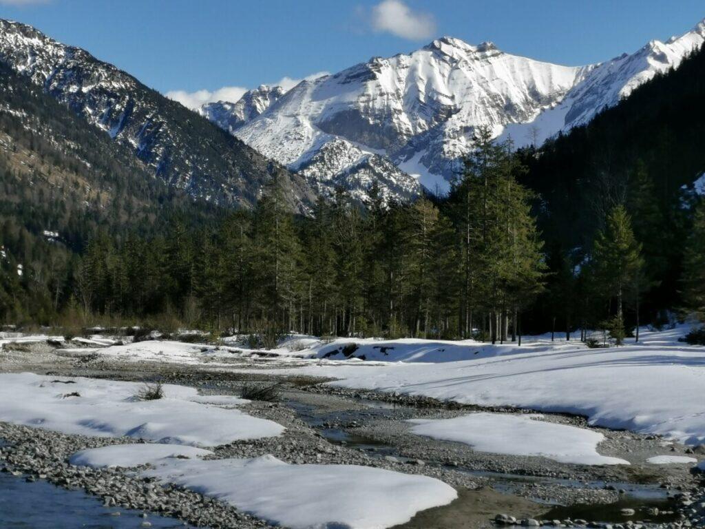 Winterwandern in Hinterriss Eng