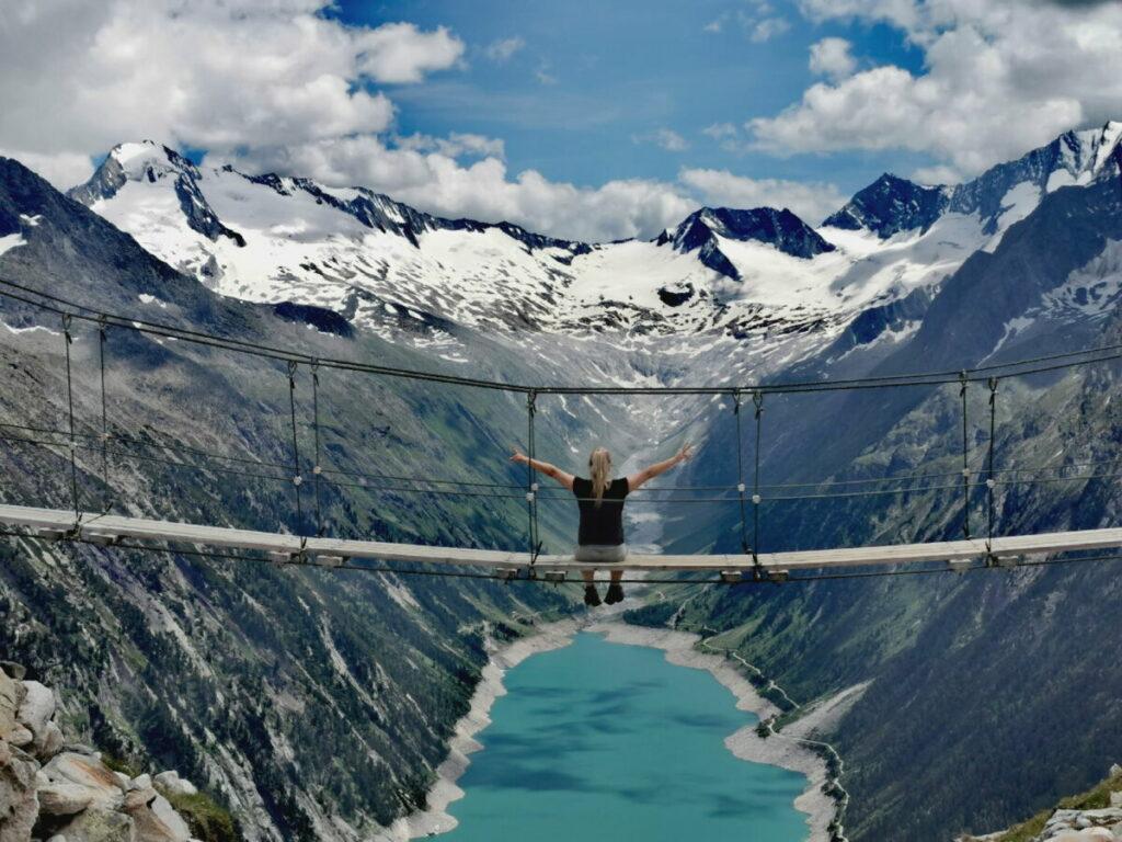 Die bekannten Zillertal Hängebrücke - für dieses Foto kommen tausende Besucher jedes Jahr