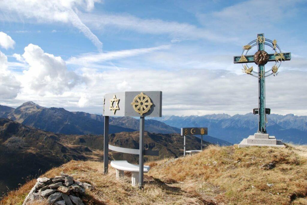 kleiner Gilfert Wanderung zum Gipfelkreuz der Weltregionen: